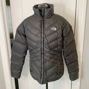 The Northface 550 Quilted Goose Insulated Down Puffer Coat